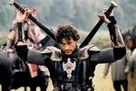 F041 King Arthur film zwaarden van Lancelot
